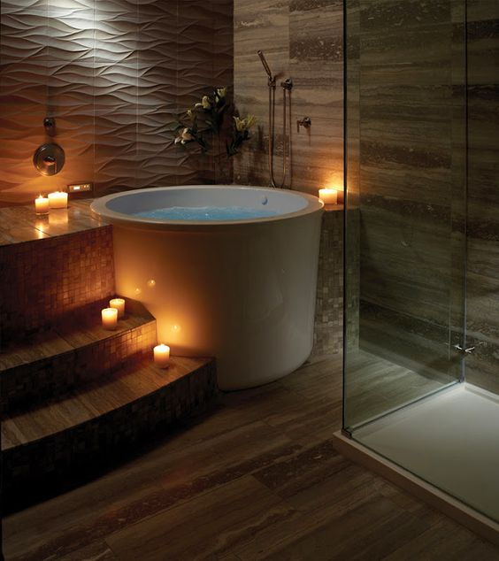 make small deep soaking tab spa style bathroom idea #spadecor #bathroom #homespa #spahome #relaxhome #spa #homedecor #decoratingideas #spadesign #decorhomeideas