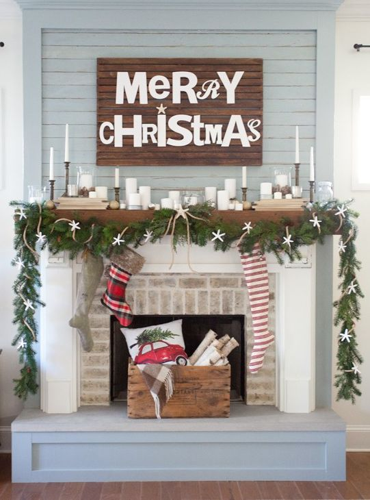 Merry Christmas mantel decoration idea #xmas #x-mas #christmas #mantel #homedecor #decoratingideas #festive #decorhomeideas