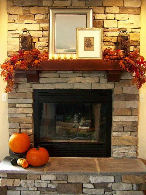 Simple Fall mantel decoration idea #falldecor #mantel #manteldecor #homedecor #decoratingideas #decorhomeideas
