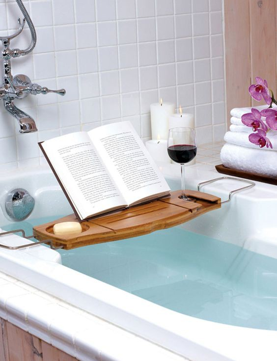 Use tub tray to hold a glass of wine spa style bathroom idea #spadecor #bathroom #homespa #spahome #relaxhome #spa #homedecor #decoratingideas #spadesign #decorhomeideas