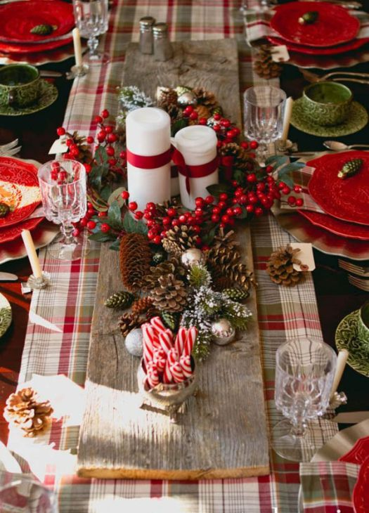 beautiful red green Christmas table setting