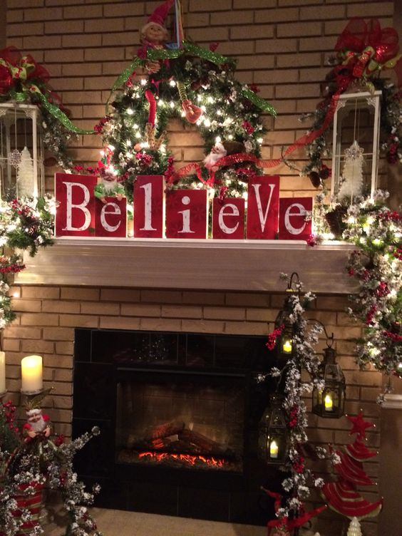 Christmas fire mantel decoration idea #xmas #x-mas #christmas #christmasdecor #decoration #decoratingideas #festive #decorhomeideas