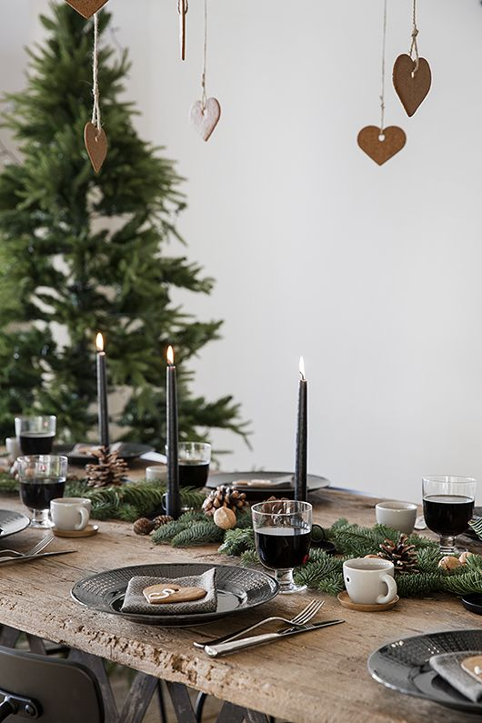 Christmas tree table setting idea #xmas #x-mas #christmas #tablesetting #homedecor #decoratingideas #centerpieces #festive #decorhomeideas