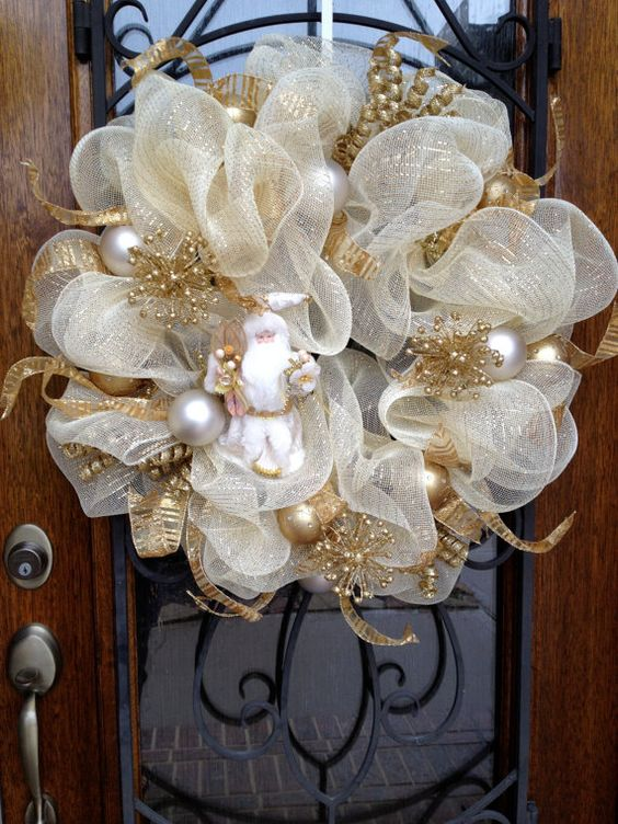 gold and white shimmer Christmas wreath