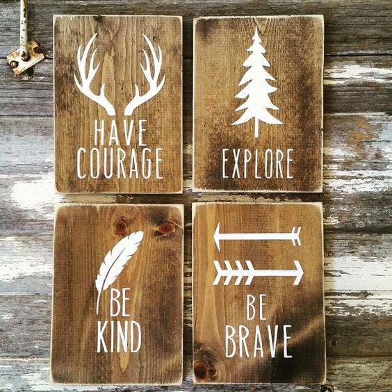 Rustic wood wall signs decor idea #rustic #rusticdecor #rusticfarmhouse #homedecor #decoratingideas #decorhomeideas