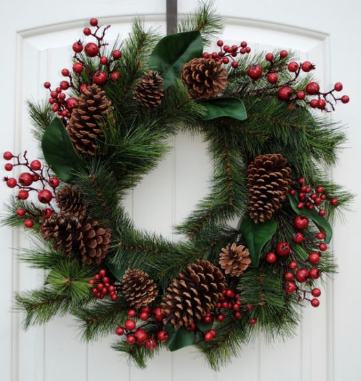 rustic pine cones Christmas wreath idea #diy #xmas #x-mas #christmas #wreath #christmasdecor #decoration #decoratingideas #festive #decorhomeideas