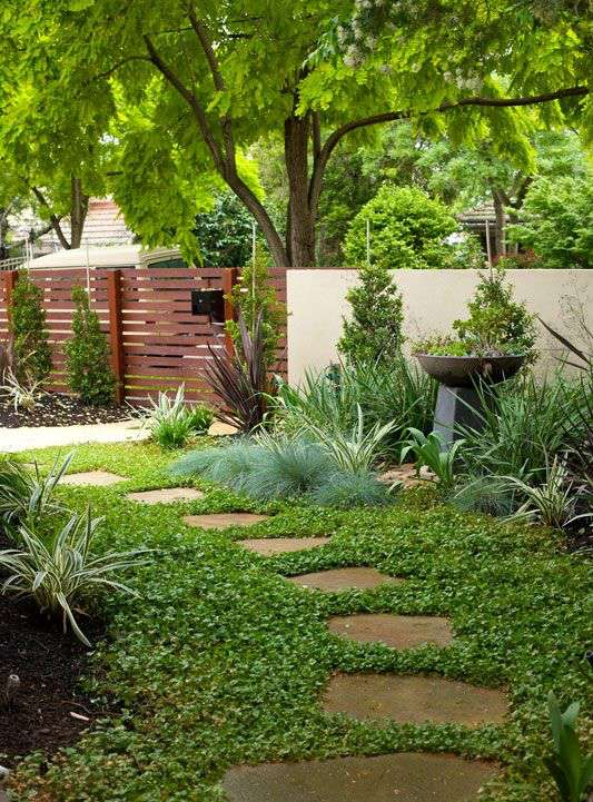 stone path garden decoration idea