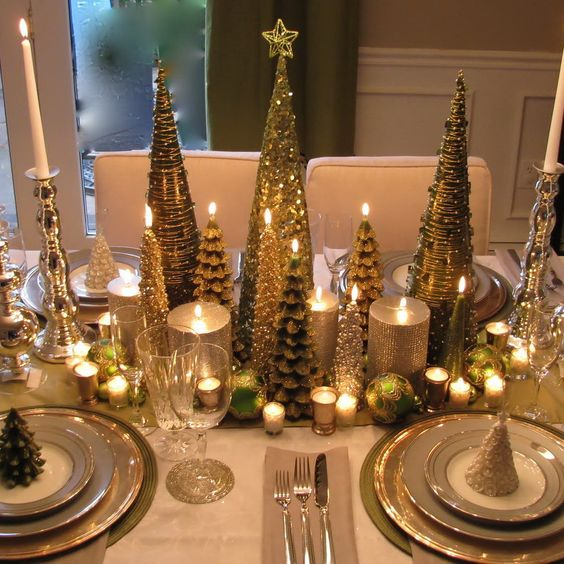 stunning gold Christmas table setting idea