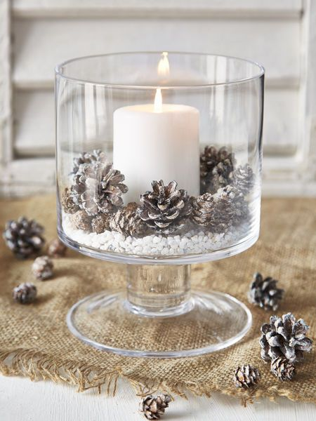 Stylish glass christmas candle decoration idea #xmas #x-mas #christmas #christmasdecor #decoration #decoratingideas #festive #decorhomeideas