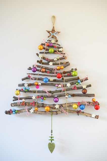 Twig christmas tree decoration idea #xmas #x-mas #christmas #christmasdecor #decoration #decoratingideas #festive #decorhomeideas