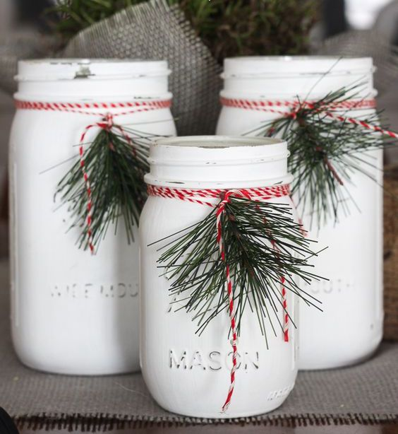 White mason jars christmas decoration idea #xmas #x-mas #christmas #christmasdecor #decoration #decoratingideas #festive #decorhomeideas