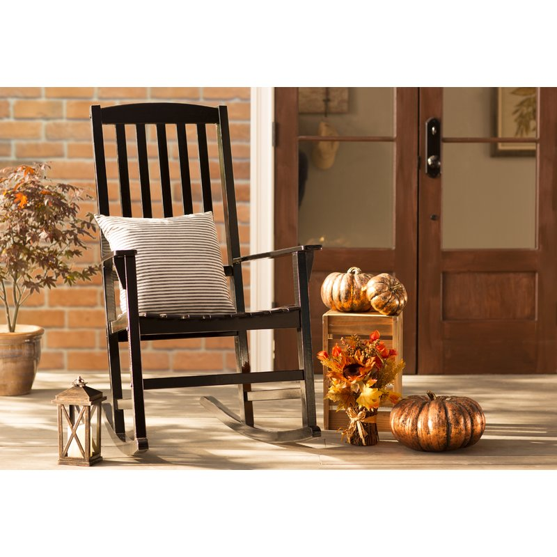 Thanksgiving decor on the porch with gold pumpkins #thanksgiving #falldecor #falldecorideas #festive #homedecor #decoratingideas #pumpkin #fall #decorhomeideas
