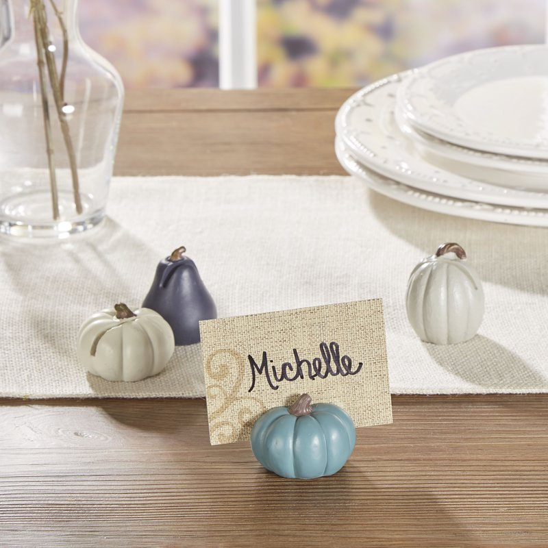 Personal Thanksgiving table decor #tablesetting #homedecor #falldecor #decoratingideas #falldecorideas #ornaments #decorhomeideas
