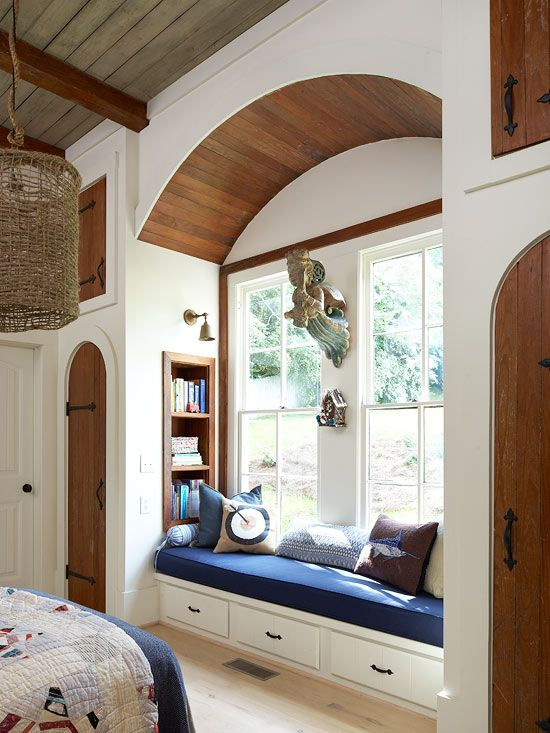 Great built-in window seat cozy reading nook