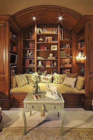 Coziest reading nook with bookshelf full of books, nice place to relax and read #readingnook #nook #readingcorner #decoratingideas #homedecor #cozynook #decorhomeideas