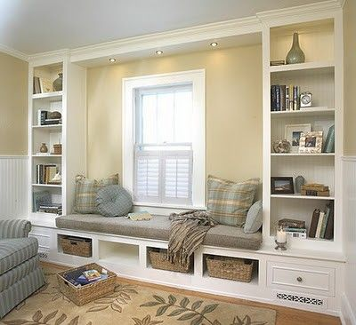 Custom made furniture for a built-in window reading nook #readingnook #nook #readingcorner #decoratingideas #homedecor #cozynook #decorhomeideas
