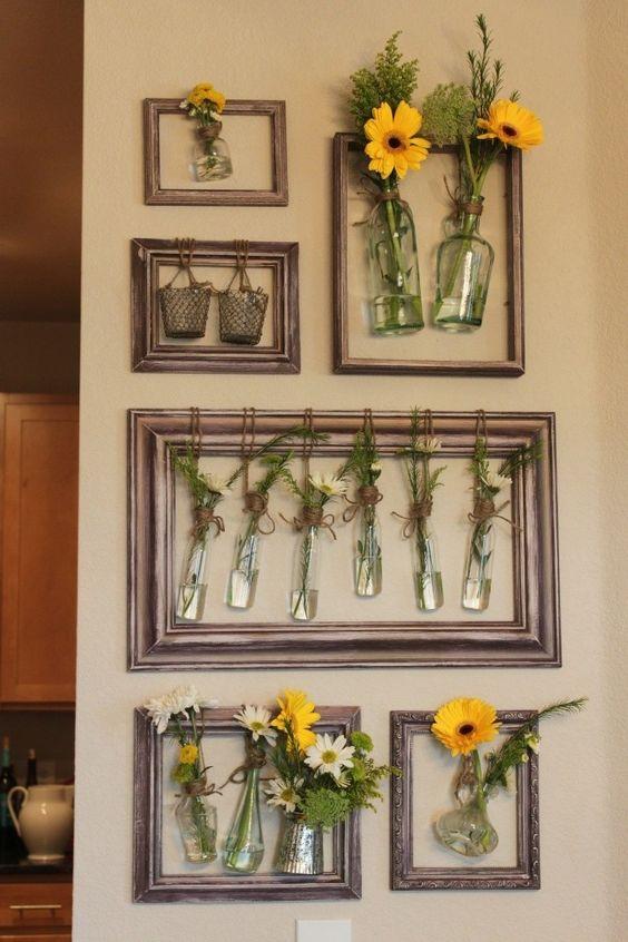Old picture frames wall flower arrangement #diyproject #diy #makeover #homedecor #decorationideas #pictures #frames #vintage #decorhomeideas