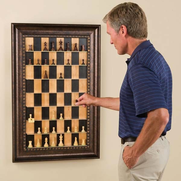 Chess board wall decor picture frame #diyproject #diy #makeover #homedecor #decorationideas #pictures #frames #vintage #decorhomeideas