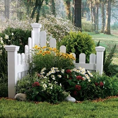Flower bed ideas for corners and near fence #flowerbed #flowerpot #gardens #gardenideas #gardeningtips #decorhomeideas