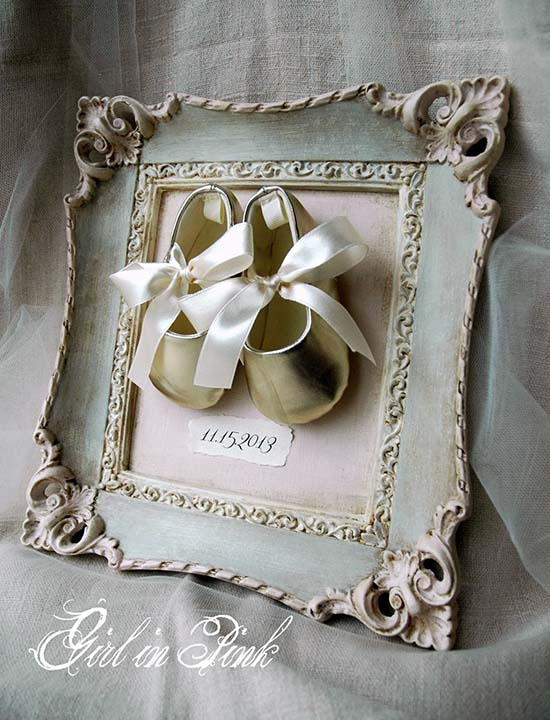 Wall decoration for a nursery room from old picture frame #diyproject #diy #makeover #homedecor #decorationideas #pictures #frames #vintage #decorhomeideas