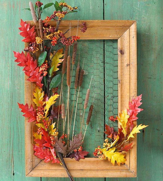 Old wooden picture frame fall decor #diyproject #diy #makeover #homedecor #decorationideas #pictures #frames #vintage #decorhomeideas