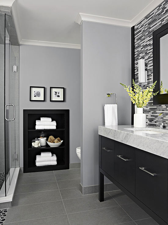 Windowless bathroom painted in ash gray color. #bathroom #bathroomdesign #bathroomideas #bathroomreno #bathroomremodel #decorhomeideas