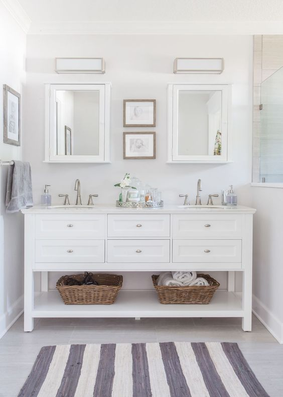 Clean white no window bathroom paint color. #bathroom #bathroomdesign #bathroomideas #bathroomreno #bathroomremodel #decorhomeideas #paint