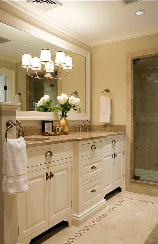 Cream no window small bathroom. #bathroom #bathroomdesign #bathroomideas #bathroomreno #bathroomremodel #decorhomeideas