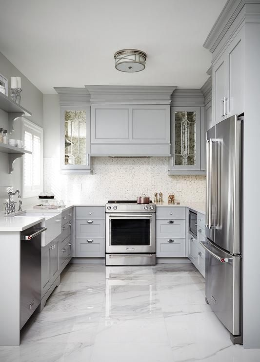 Gray kitchen cabinets and marble floor #kitchen #graycabinets #graypaint #graykitchencabinets #homedecor #decoratingideas #decorhomeideas