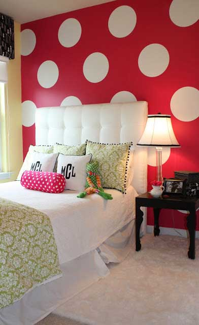 Polka dots bedroom wall decor #polkadots #teen #bedroom #walldecor #decoration