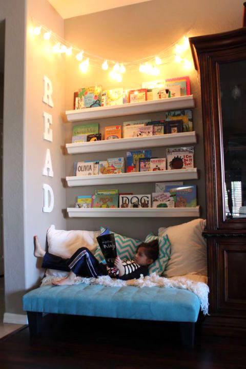 DIY Bookcase or Toystorage over the bed #toystorage #bookcase #organizer #bedroom #decorhomeideas