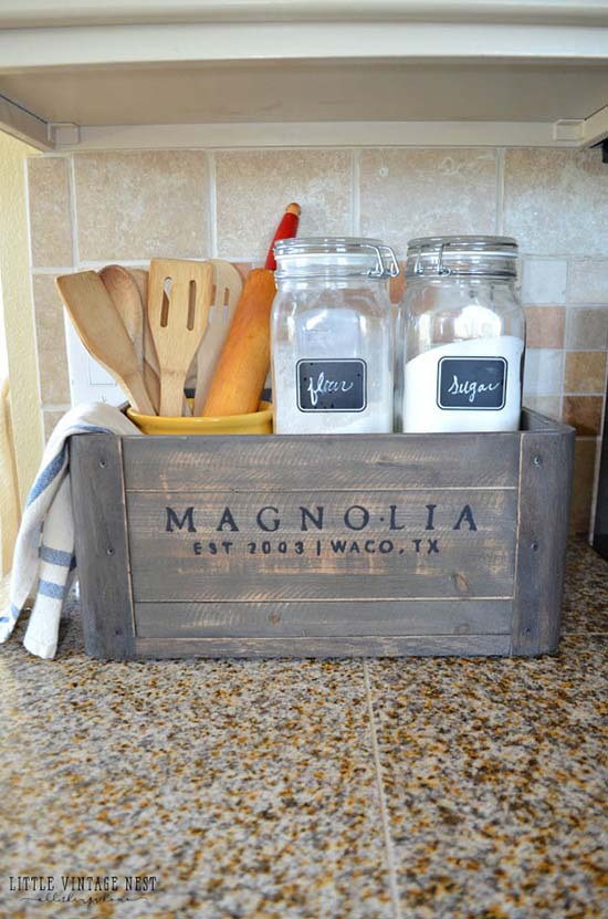 Wooden Crate Farmhouse Kitchen Decor #farmhouse #farmhousedecor #storage #organization #farmhousestorage #decorhomeideas