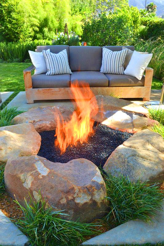 DIY Outdoor Fire Pit With Big Rocks #firepit #firepitideas #diy #garden #decorhomeideas