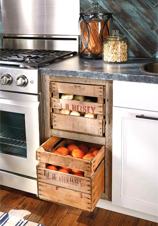 Built-in wooden crates storage #farmhouse #farmhousedecor #storage #organization #farmhousestorage #decorhomeideas