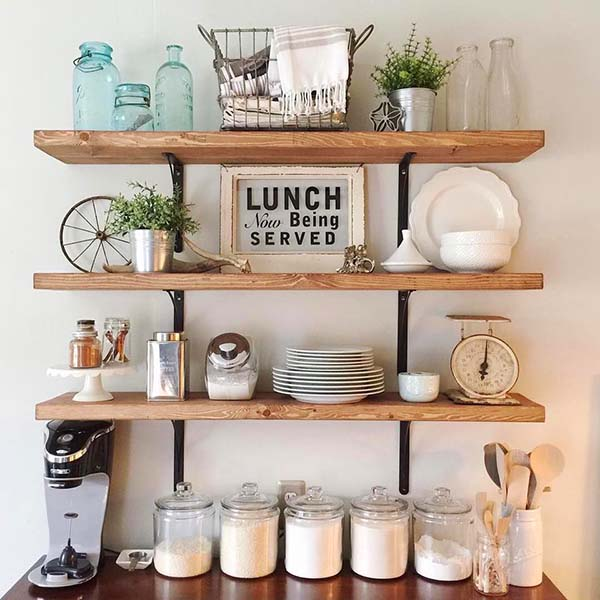 Farmhouse wooden kitchen shelves #farmhouse #farmhousedecor #storage #organization #farmhousestorage #shelves #decorhomeideas