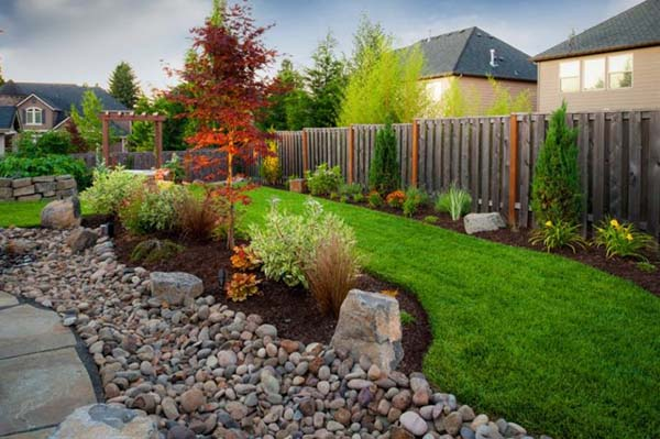 Landscaping with river rock #gardens #gardening #gardenideas #gardeningtips #landscaping #decorhomeideas