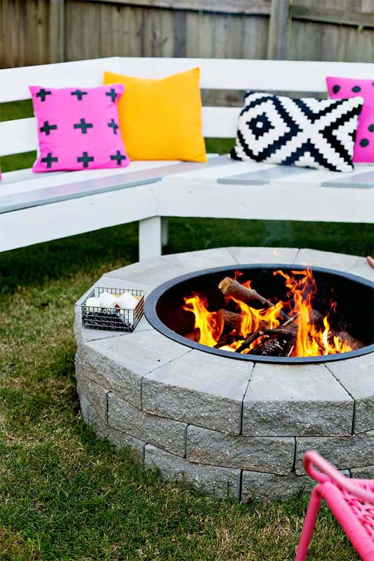 Modern Patio Fire Pit Design and Ideas #firepit #firepitideas #diy #garden #decorhomeideas
