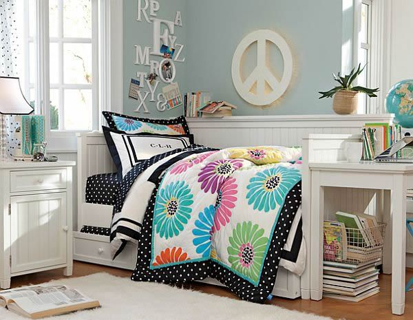 Peace freedom themed teenage girl bedroom #teengirlbedroom #girlbedroom #teenbedroom #bedroom #homedecor #decorhomeideas