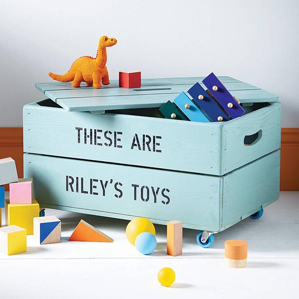 DIY Personalized storage box for toys #toystorage #toybox #diy #storage #decorhomeideas