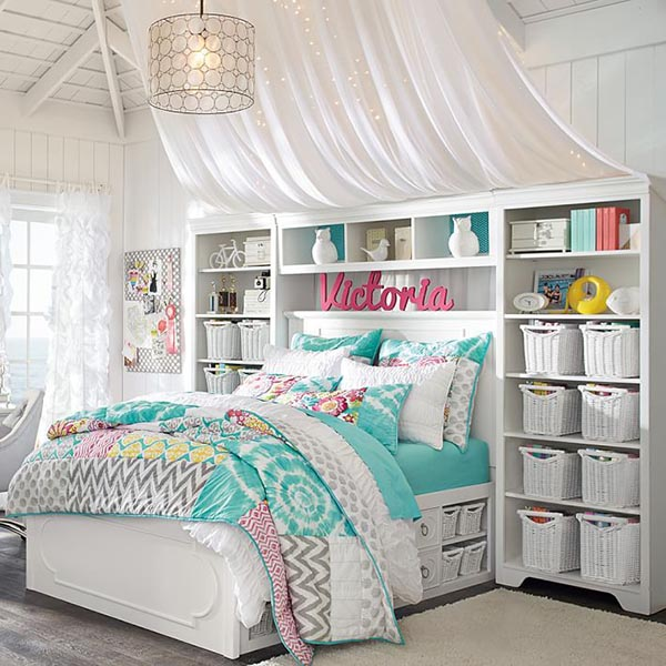Turquoise and white teenage girl bedroom with built-in storage #teengirlbedroom #girlbedroom #teenbedroom #bedroom #homedecor #decorhomeideas