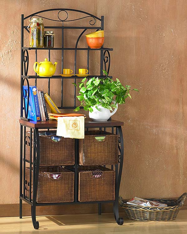 Wrought iron rack #farmhouse #rack #farmhousedecor #furniture #storage #organization #farmhousestorage #decorhomeideas
