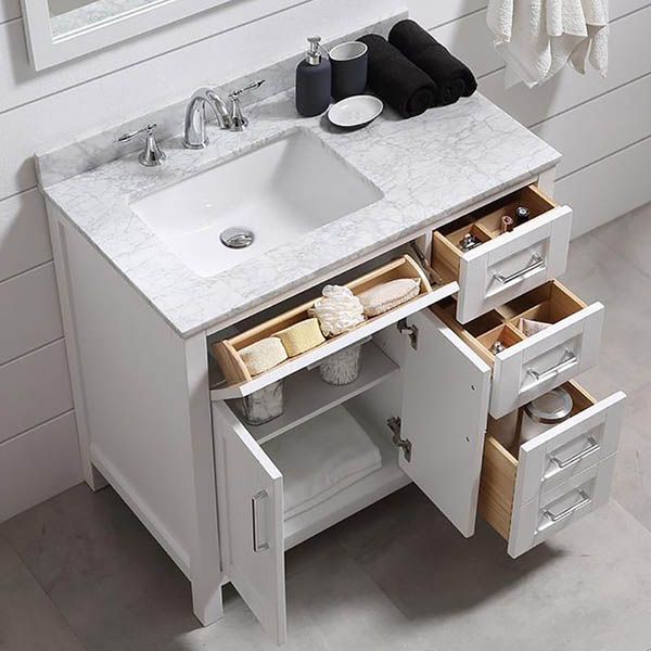 White vanity storage idea for small bathroom #vanity #bathroomvanity #vanityideas #bathroom #bathroomideas #storage #organization #decorhomeideas