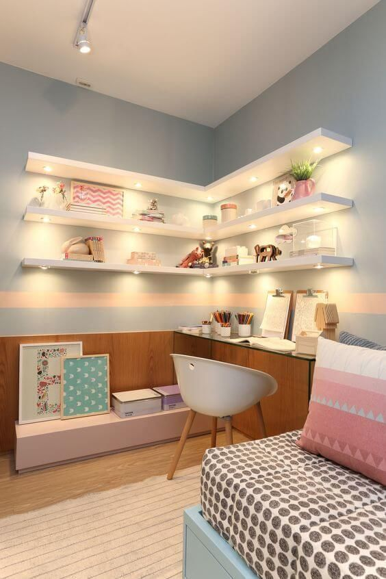 Teenage girl bedroom design with floating shelves #teengirlbedroom #girlbedroom #teenbedroom #bedroom #homedecor #decorhomeideas