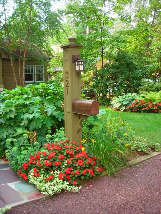 Big flower bed around mailbox #flowerbed #mailbox #garden #curbappeal #flowers #decorhomeideas