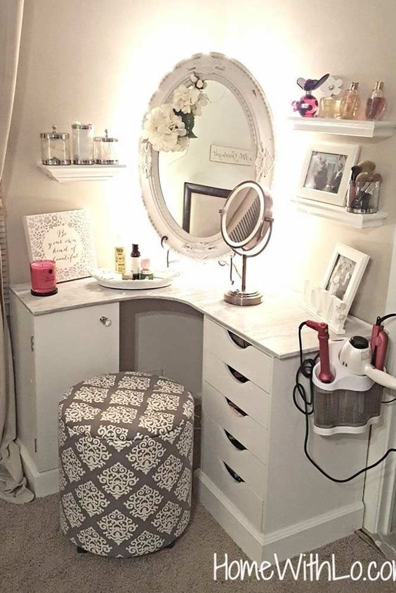 Corner vanity ideas for small bedrooms #vanity #bedroom #vanitybedroom #makeupvanity #homedecor #decorhomeiedeas