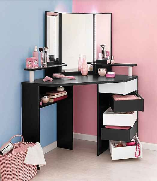 Corner vanity makeup organizer #vanity #bedroom #vanitybedroom #makeupvanity #homedecor #decorhomeiedeas