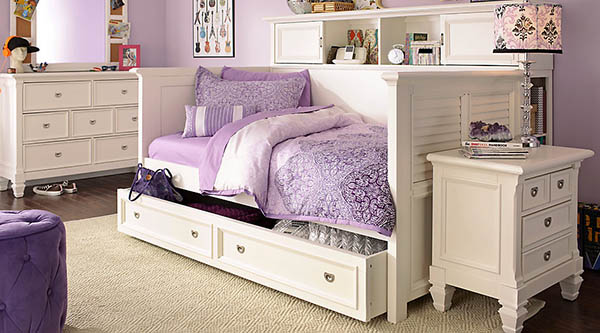 Cute purple teenage girl bedroom #purplebedroom #teenbedroom #girlbedroom #bedroom #homedecor #decorhomeideas