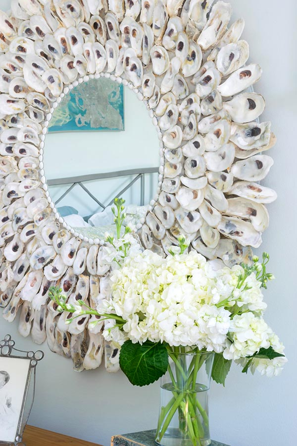Diy oyster mirror decor idea #diy #mirror #diymirror #cheapmirror #decorhomeideas