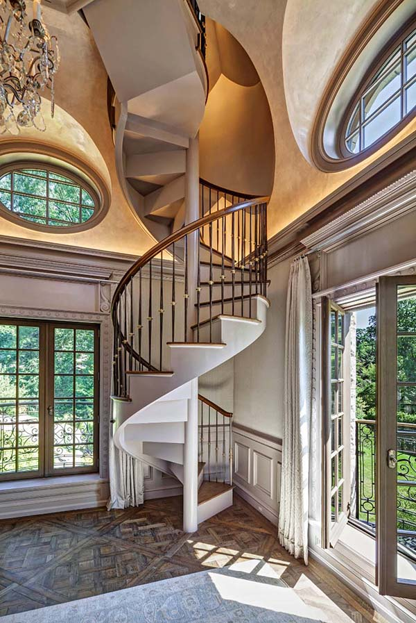 French spiral stairway #staircase #stairway #stairs #staircaseideas #decorhomeideas
