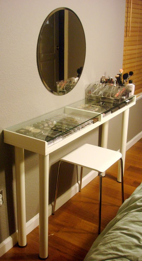 IKEA makeup vanity for small spaces #vanity #bedroom #vanitybedroom #makeupvanity #homedecor #decorhomeiedeas
